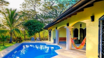 Vacation home with pool for rent in the middle of a spacious tropical garden near Playa Negra…